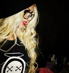.love this !!!!!!!! beanie , glasses and HOT HAIR, red lips - sexy all day ♥