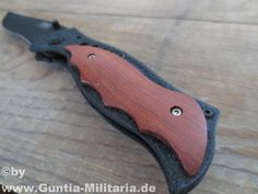 Klappmesser mit Holzauflage