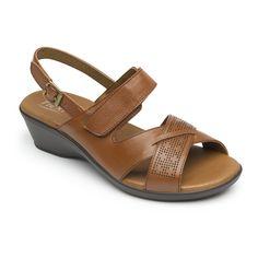 Nueva línea de sandalia clásica de confort diseñada con materiales y altura que ofrecen gran comodidad al caminar. Presentada en tres estilos: slip on, empeine con perforado láser y tiras cruzadas. Estilos ajustables con velcro, hebilla o lycra que dan mayor confort. Wedges, Women's Fashion, Sandals, Shoes, Sandals 2018, Flat Sandals, Slippers, Shoe Sale, Piercing