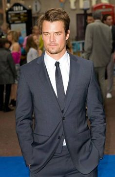 Josh Duhamel <3 Well hot fucking damn if only I could be more Fergilicious!