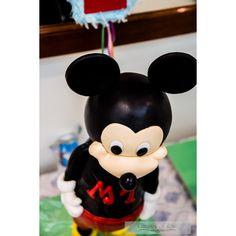 3D Standing Mickey Mouse Cake #cakedecorating #cakedesign ##cakesculpture #fondant #mickeymousecake #mickeymouse #chocolatemudcake #ganache #black #yellow #red #white #flechcolour #gateauxoflove