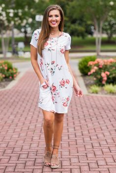 """Posh Petals T-Shirt Dress, Ivory""You are going to look amazing in this fab t-shirt dress! How could you not?! #newarrival #shopthemint"
