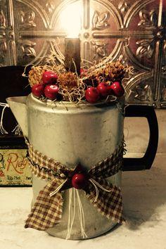 Rustic Crafts, Primitive Crafts, Primitive Christmas, Diy Home Crafts, Holiday Crafts, Christmas Love, Country Christmas, Vintage Christmas, Christmas Interiors