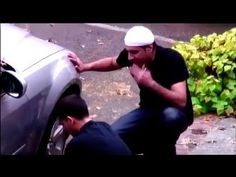 If Muslim Needed Help? Amazing Young Man Who Stops to Help - YouTube