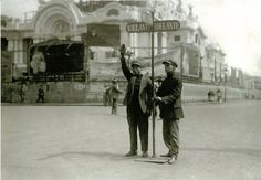 El semáforo en San Juan de Letrán hoy Lázaro Cárdenas. 1926