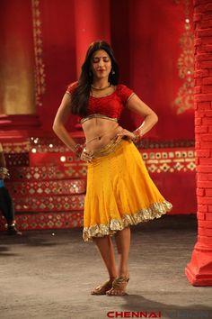 Shruthi Haasan Hot Photos by Chennaivision