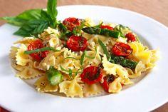Bowtie Pasta with Oven-Dried Tomatoes (Tasty Kitchen)  http://tastykitchen.com/blog/2011/05/bow-tie-pasta-with-oven-dried-tomatoes/?utm_source=feedburner&utm_medium=feed&utm_campaign=Feed%3A+TastyKitchenBlog+%28Tasty+Kitchen+Blog%29
