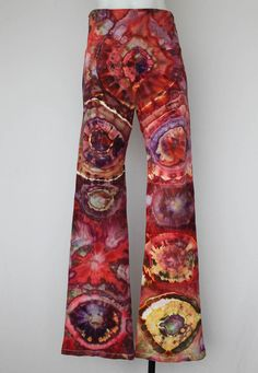 $52 Tie dye Yoga Pants Ice Dyed Bohochic Indie Fashion Festival Size Large - Color Burst bullseye by ASPOONFULOFCOLORS on Etsy Find this item on https://www.etsy.com/shop/ASPOONFULOFCOLORS?ref=hdr_shop_menu