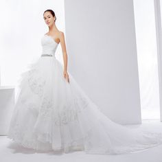 蔡美月品牌婚紗 2014新款 白色抹胸款婚紗 蓬蓬裙大拖尾 鑲鑽婚紗