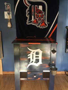 Detroit Tigers wooden cooler Wooden Cooler, Diy Cooler, Detroit Tigers