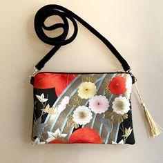 Silk Obi crossboday Bag with Gold tassel Detachable velvet Kimono Fabric, Fabric Bags, Red Fabric, Silk Kimono, Japanese Embroidery, Japanese Fabric, Sashiko Embroidery, Clutch Purse, Purse Wallet