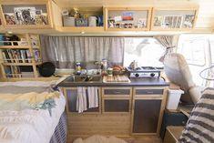 Camper van interior design and organization ideas Sprinter Camper, Vw T3 Camper, Vw Caravan, Camper Life, Rv Campers, Camper Trailers, Camper Van, Rv Life, Diy Camper
