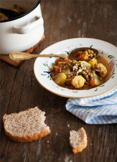 Zucchini Stew With Lentils - http://www.diypinterest.com/zucchini-stew-with-lentils/ soup food stew veggies yum recipes