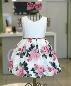 Muiiiito amor por ele!!  ÚLTIMO tam 1 ano 238,00! Baby Girl Frocks, Baby Girl Party Dresses, Frocks For Girls, Wedding Dresses For Girls, Dresses Kids Girl, Kids Outfits, Children Dress, Baby Girl Fashion, Kids Fashion