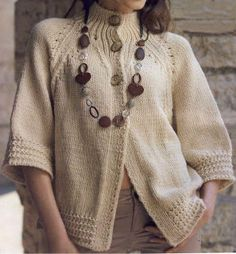 Cute knitted button-down jacket with a cropped sleeve. Crochet Jacket, Knit Jacket, Knit Cardigan, Knit Crochet, Knitting Patterns Free, Knit Patterns, Free Knitting, Pull Torsadé, Tricot D'art