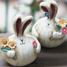 Order the Bunny Couple Figurine Set for a bunny-loving friend. Shop for creative decor and unique gifts for any occasion at the Apollo Box. Unique Gadgets, New Gadgets, Gadgets And Gizmos, Travel Gadgets, Electronics Gadgets, Pottery Houses, Apollo Box, Clay Art Projects, Paper Mache Crafts