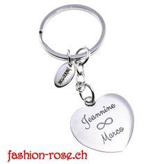 Edler Schlüsselanhänger mit HERZ Amulett als Geschenk Online kaufen verschenken Personalized Items, Lifestyle, Fashion, Key Fobs, Fashion Styles, Amulets, Stars, Handbags, Schmuck