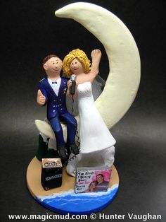 Crescent Moon Wedding Cake Topper, Wedding Cake Topper for Bride and Groom on the Beach, Vacation Wedding Cake Topper,