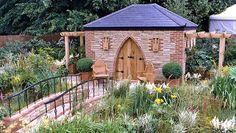Gartenhäuser aus unterschiedlichen Materialien: Holz, Stein, Kunststoff, Metall oder Glas? - Gartenhaus Magazin