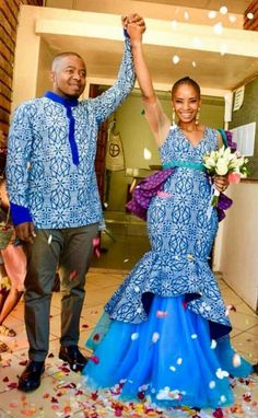 Shweshwe Traditional Wedding Dresses For South African 2019 – Pretty 4 Shweshwe Traditional Wedding Dresses For South African 2019 – Pretty 4 Related posts: Traditional Shweshwe Dresses 2019 For Wedding South African Designers Traditional Dresses 2019 Couples African Outfits, African Fashion Dresses, African Dress, African Clothes, Indian Fashion, Wedding Dress Trends, Sexy Wedding Dresses, Gorgeous Wedding Dress, South African Traditional Dresses