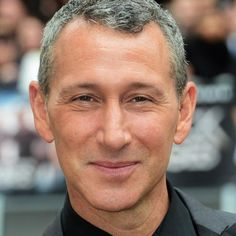 The Machine to Reunite Vin Diesel with Director Adam Shankman -- The Pacifier director is taking on this comedy about a young boy who reactivates a defunct human-like robot. -- http://wtch.it/BawQ9