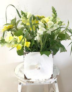 Blumenstrauss in der Schublade Shabby Chic