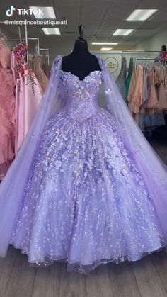 Lavender Quinceanera Dresses, Mexican Quinceanera Dresses, Cinderella Quinceanera Dress, Quinceanera Ideas, Sweet 15 Dresses, Pretty Dresses, Quince Dresses Mexican, Princess Ball Gowns, Fairytale Dress