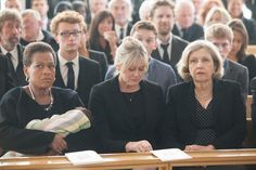 last tango in halifax kates funeral Last Tango In Halifax, Sarah Lancashire, British Actors, Tv, Funeral, Plays, Musicals, Stage, Movies