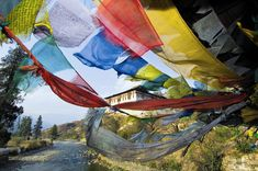 Hike Bhutan, Nepal & the Himalayas Paros, The Places Youll Go, Places To Visit, Arts And Crafts Interiors, Thunder Dragon, Himalaya, Prayer Flags, Nepal, Travel Photography