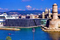 https://flic.kr/p/vX3GKJ | Marseille 2014 - 159 le MUCEM, le Fort Saint-Jean, la Cathédrale La Major et un ferry en face du PHARO