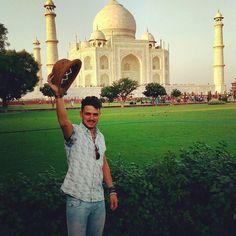 #mytajmemory Anche l'ascella più insensibile si commuove di fronte alla bellezza del Taj Mahal! #taj #tajmahal #agra #india #chapeaux by apollo_pollo #IncredibleIndia #tajmahal