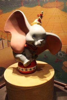 disney dumbo Dumbo Birthday Party, Circus Birthday, Birthday Cakes, Elephant Diaper Cakes, Elephant Gifts, Circus Theme Cakes, Themed Cakes, Dumbo Cake, Polymer Clay Disney