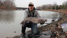 Bank fishing for catfish - How to catch catfish in a river - Winter catfishing - video dailymotion Catfish And Carp, Catfish Fishing, How To Catch Catfish, River, Rivers
