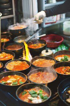 Street food, Bubbling stone pots of fiery jjigae (stew), Namdaemun Market, Seoul, Korea. K Food, Love Food, Food Porn, Chef Food, Korean Street Food, Korean Food, Japanese Street Food, Korean Dishes, C'est Bon