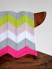 Ravelry: Chevron Baby Blanket pattern by Espace Tricot- super cute baby blanket, used yellow, grey, cream