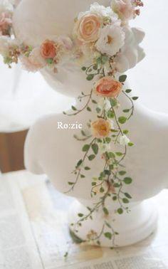 2013.9.1 大きなお花のポイントのある花冠+バックコサージュ : Ro:zic die floristin