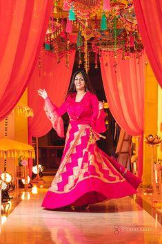 Sikh Bride, Punjabi Bride, Sikh Wedding, Indian Wedding Planning, Bridal Photoshoot, South Asian Wedding, Groom Outfit, Wedding Story, Bridal Outfits
