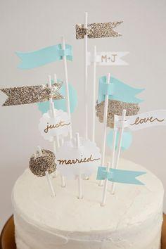 Con Otro Rollo Wedding Planner Cake Topper banderas