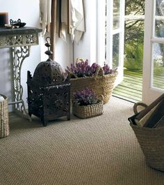 There ar many reasons why you should choose a sisal carpet for your bedroom or any other room for that matter. In the bedroom, we need a place that is inviting, cozy, and warm. Nothing can do that like carpeting. In fact, any other type of flooring will render the room cold.
