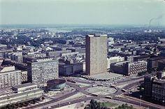 Warszawa - panorama skrzyżowania Marszałkowskiej i Al. Jerozolimskich - hotel Forum (1975)