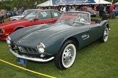 1957 BMW Almost looks like a James Bond car Classic Aston Martin, Bmw 507, Bmw Vintage, Bond Cars, Vintage Sports Cars, Bmw Classic Cars, Cars Usa, Cabriolet, Import Cars