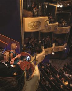 """Queen Mary 2 Named """"Best Luxury Cruise Ship for Entertainment"""" and """"Best Luxury Cruise Ship for Atrium Design"""" in 2012 Travel Weekly Magellan Awards!"""