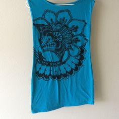 Express teal blue tunic This top is so cute paired with leggings. Express Tops Tunics