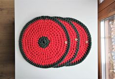 Christmas coasters (made of cotton rope 5 mm with core - high quality cotton made in EU).  Beautiful hand-made coasters in Christmas colors red and green will decorate your Christmas table and also protect it from dirt and damage.  Possible to make a set of 2, 4 or more if You need.