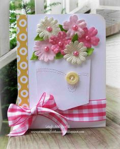 Creative DIY Mothers Day Cards -- bouquets of flowers or buttons!