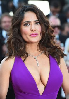 Résultat d'images pour Salma Hayek Salma Hayek Hair, Salma Hayek Young, Salma Hayek Style, Salma Hayek Body, Salma Hayek Bikini, Beautiful Celebrities, Beautiful Actresses, Hot Actresses, Salma Hayek Measurements