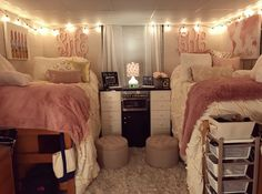 Beautiful and Comfortable College Girl Dorm Room Ideas If you're planning a trip to college shortly, it's time for you to get ready with some beautiful and comfortable girl dorm room ideas college. A college dorm room is a place… Continue Reading → College Bedroom, Girls Dorm Room, Girls Room Decor, Dorm Room Designs, Apartment Bedroom Decor, College Room, Apartment Decorating College Bedroom, Bedroom Design, Bedroom Apartment