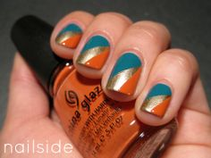 I always love Nailside's nails and tutorials. She does a wonderful job at painting her nails - Divergence