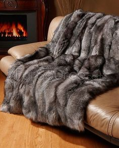 Fur Blankets Fur Throw Bed Spreads comforters... there is just something about fur that makes me skin smile.