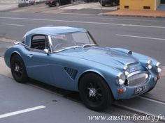 Custom Austin Healey spotted in France. The Hard top is beautiful!